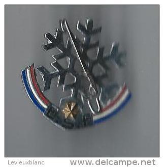 Insigne De Ski/Flocon / Moutereau/paris /Ecole De Ski Française / Vers 1960         SPO65 - Sports D'hiver