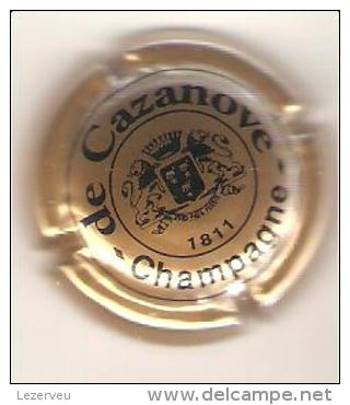CAPSULE DE MUSELET CHAMPAGNE De CAZANOVE N° 6 PETIT BLASON - De Cazanove