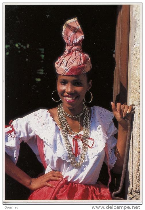 Couleurs De La Martinique : Jeune Créole (photo Renaudeau éd Hoa Qui N°7060) Folklore Tradition - Martinique
