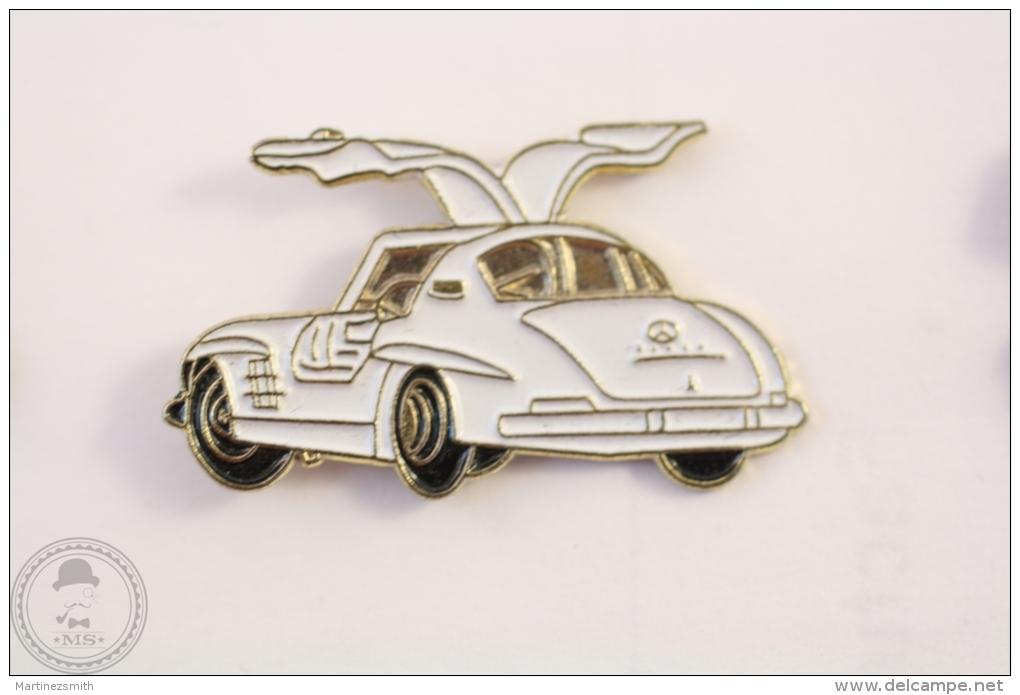 Mercedes 300 SL White Colour - Pin Badge #PLS - Mercedes