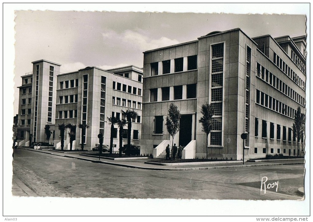 CPSM - 35 - RENNES - Cité Administrative - 63 F. Chapeau - Rennes