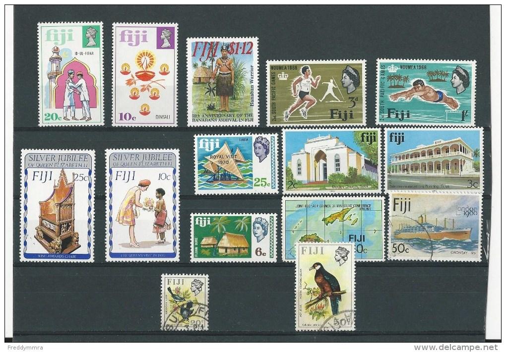 Fidji: 1 Lot De 15 Timbres Divers - Fidji (1970-...)