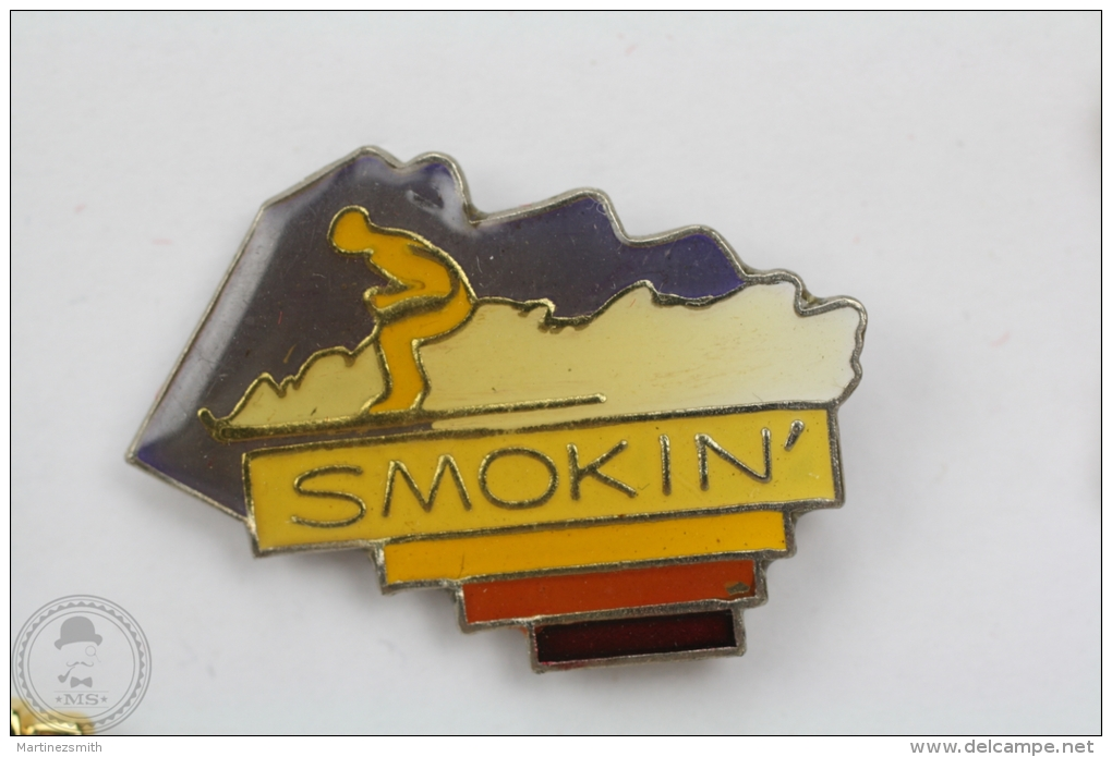 Skiing - Smokin´ - Pin Badge  #PLS - Otros