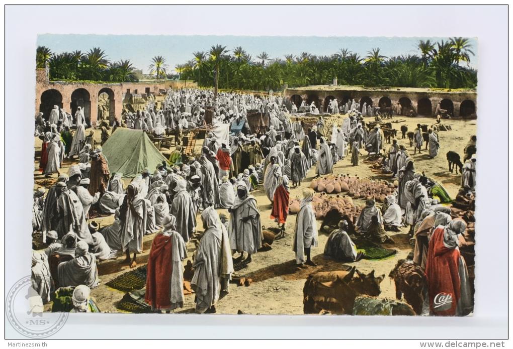 Old Maroc Real Photo Postcard - Scenes Et Types - Un Marche Arabe - Posted, 1958 - Otros