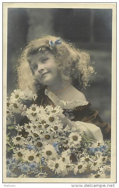 Themes - Enfants - Ref 382 - Fantaisie -portrait De Fillette Aux Marguerites  - Fillettes  - Carte Bon Etat - - Portraits