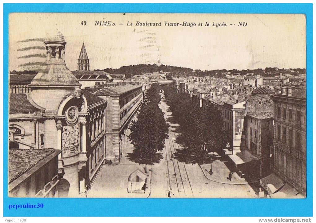 NIMES (Gard) LE BOULEVARD VICTOR-HUGO ET LE LYCÉE. - 1936 - - Nîmes
