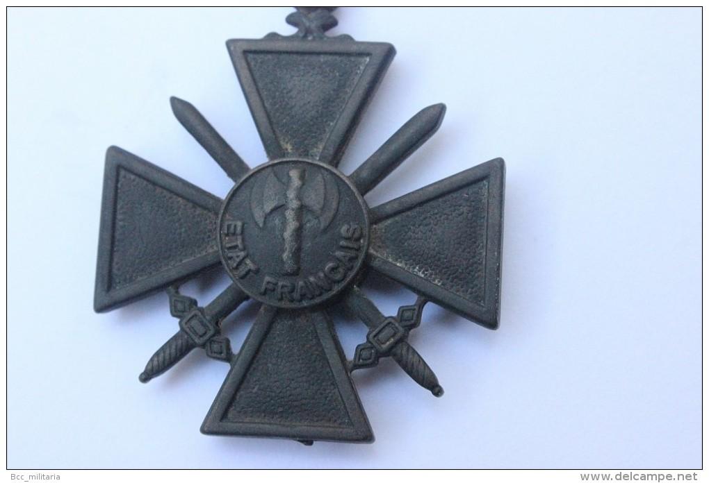 Croix De Guerre Etat Français (reproduction) - Unclassified