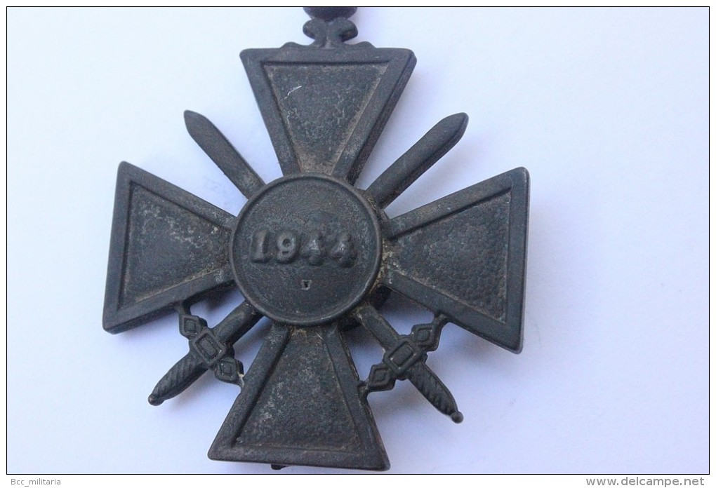 Croix De Guerre Etat Français (reproduction) - Militair