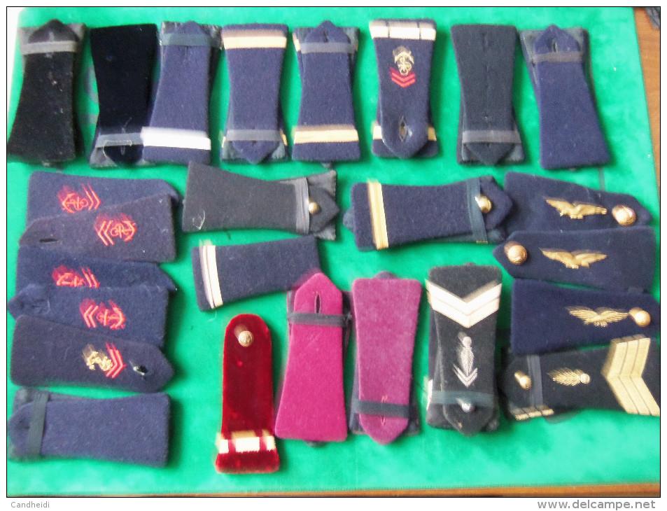 LOT DE LOSANGES 45 - PATTES EPAULES - INSIGNES DIVISIONNAIRES - Patches