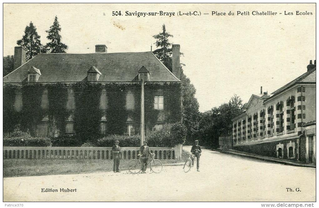 SAVIGNY SUR BRAYE - Place Du Petit Chatellier Les écoles Cyclistes Et Piéton - France