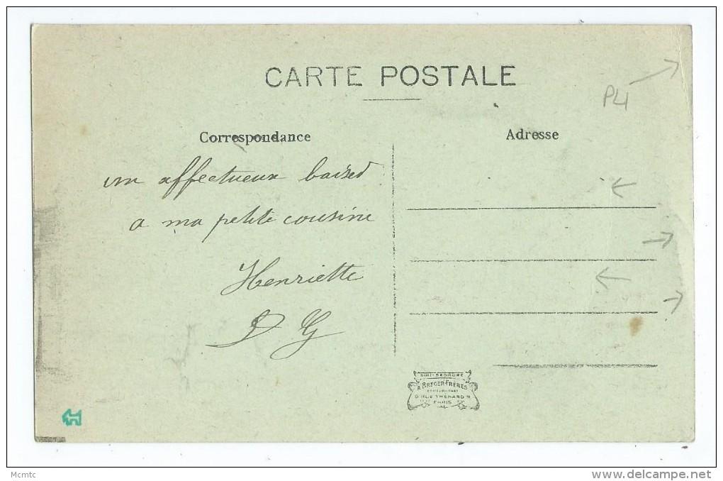 CPA - Liancourt - Place De La Rochefoucauld - Hôtel Du Commerce - Liancourt