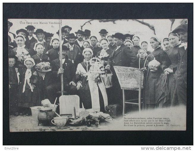 Ref3409 A CPA Noces Aux Marais Vendéens - N°111 Coll. Bontin - Photo De Groupe De Mariage - Costumes Folklore 1910 - Noces