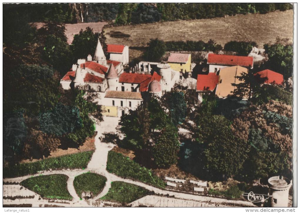 Vic Le Comte Vue Aerienne Du Chateau Des Quayres - Vic Le Comte