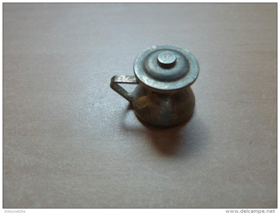 Cafetière Miniature Laiton Type 2 (hauteur 12mm) - Furniture