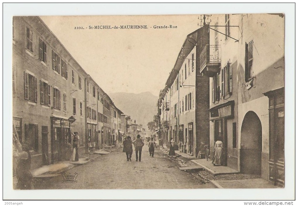 73 Dép.- 2202.- St-Michel-de-Maurienne.- Grande-Rue.   E.Reynaud Editeur Chambéry. - Saint Michel De Maurienne