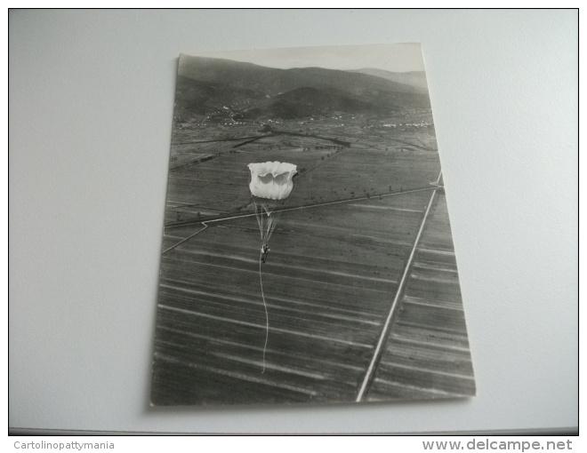 Paracadutista In Discesa - Paracadutismo