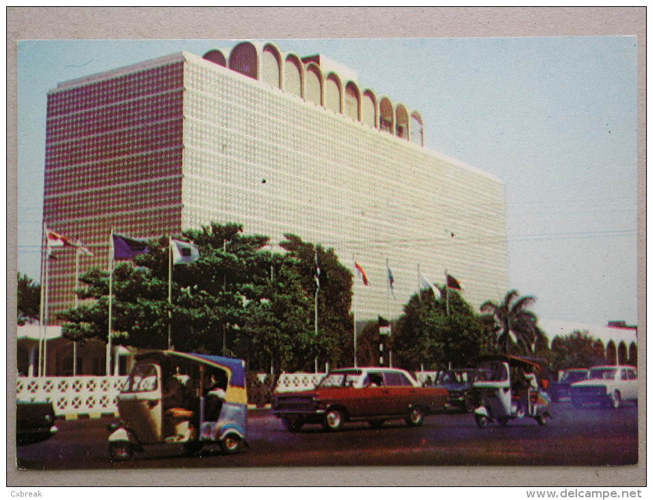 Opel Rekord A, Piaggio Ape, Karachi Pakistan - Passenger Cars