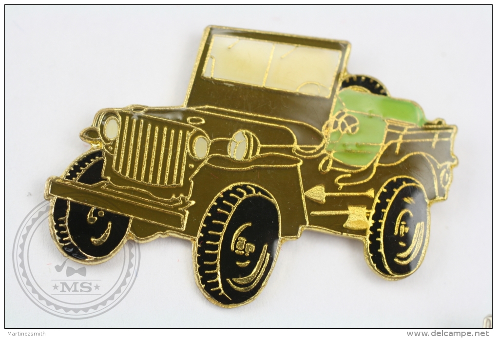 Old 4x4 Military Jeep - Pin Badge #PLS - Otros