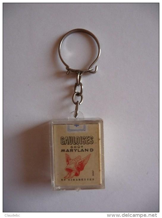 """Porte-clefs Représentant Un Paquet De Cigarettes De Marque """"GAULOISES GOUT MARYLAND"""" - Tabac (objets Liés)"""