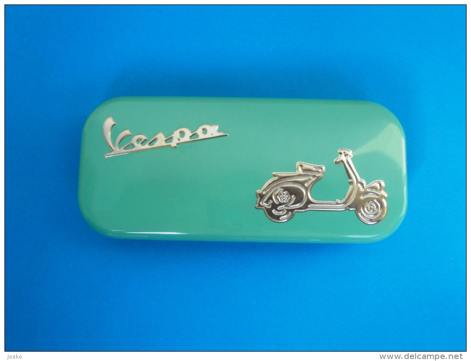 VESPA ( Famous Italy Scooter Manufactured By Piaggio ) - Official Exclusive Set Of 2. Luxury Chrome Pens In Tin Box - Pens