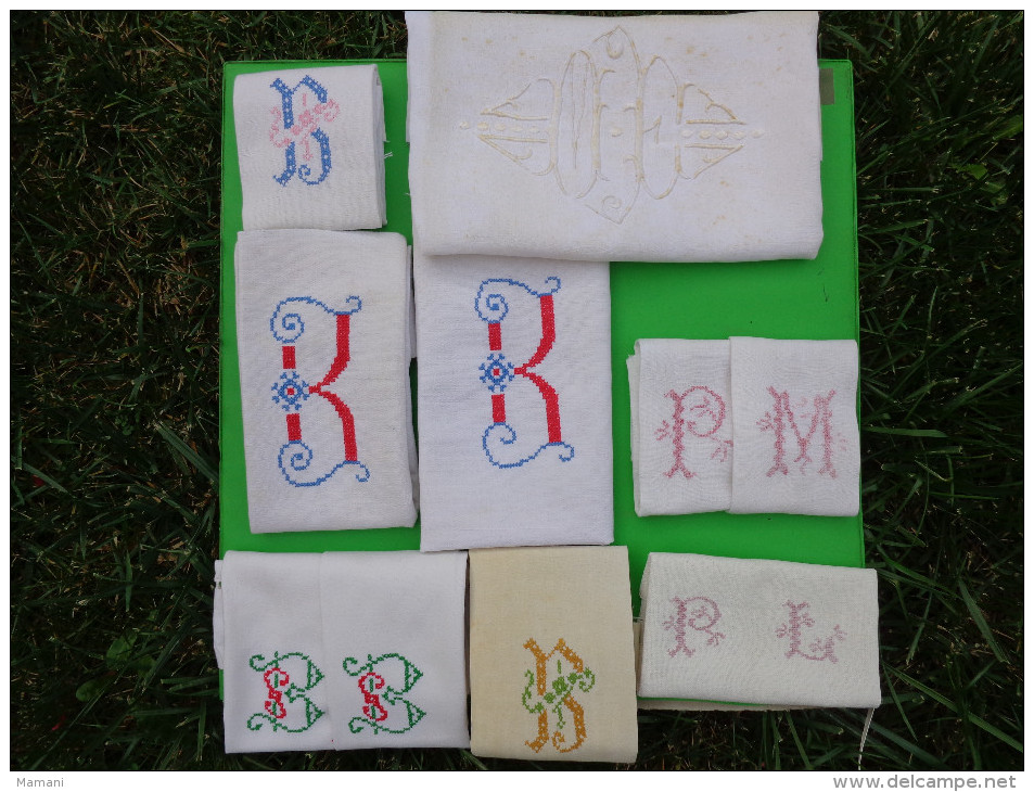 Lot De Monogramme  Et Autres  Broderies Coupees Dans Des Draps Ou Autre-05-(1) - Loisirs Créatifs