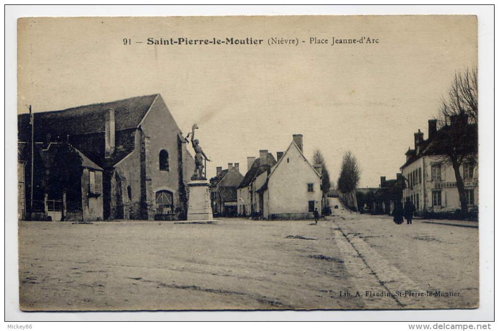 St PIERRE LE MOUTIER ---1916-- Place Jeanne D´Arc (animée,monument ) N°91  Lib Flandin - Saint Pierre Le Moutier