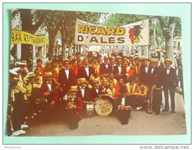 Musiciens Et Danseurs PENA RICARD D'ALES - Alès