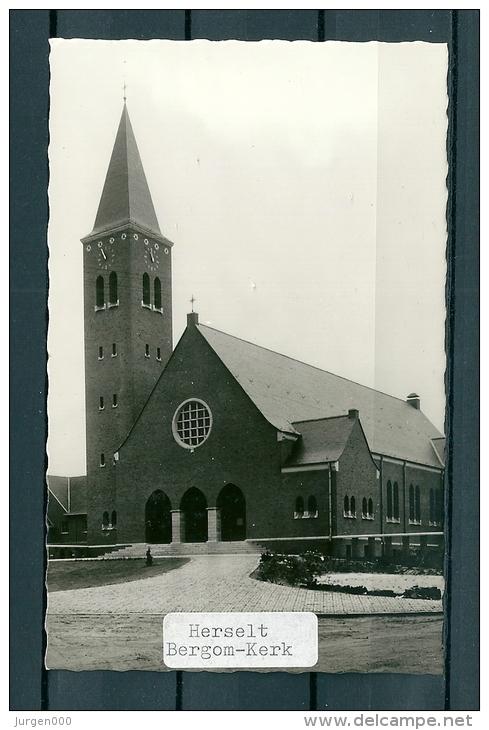 HERSELT: Bergom Kerk, Niet Gelopen Postkaart (GA19352) - Herselt