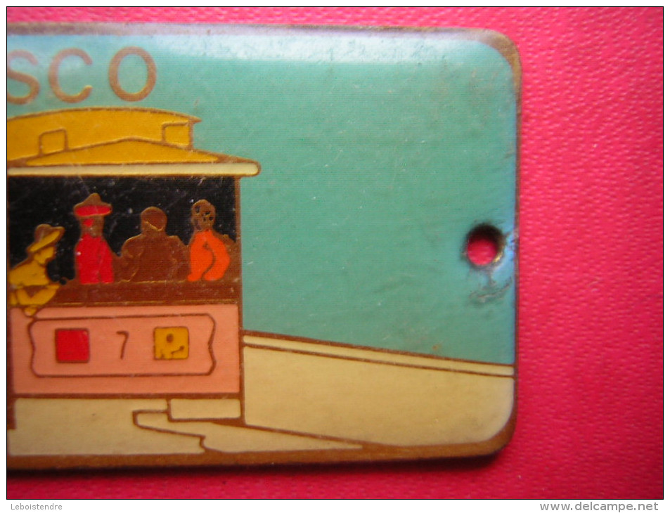 PETITE PLANQUE  LAITON ET EMAUX ??  SAN FRANCISCO  CABLE CAR     POIDS 10 GRAMMES - Bijoux & Horlogerie