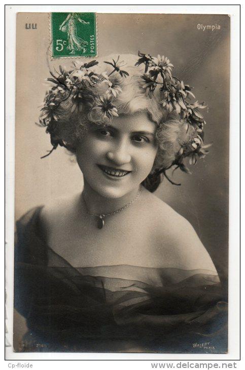 FEMME ARTISTE -- LILI LÉONARD - OLYMPIA -- LILI LÉONARD . OLYMPIA -- LILI LÉONARD -- PHOTO WALERY - Réf. N°3730 - - Femmes