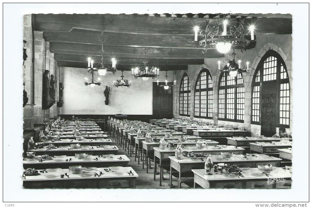 CPSM - Ecole Des Cordeliers - Dinan - Le Refectoire : Salle Capitulaire Siège Des Etat De Bretagne - Dinan