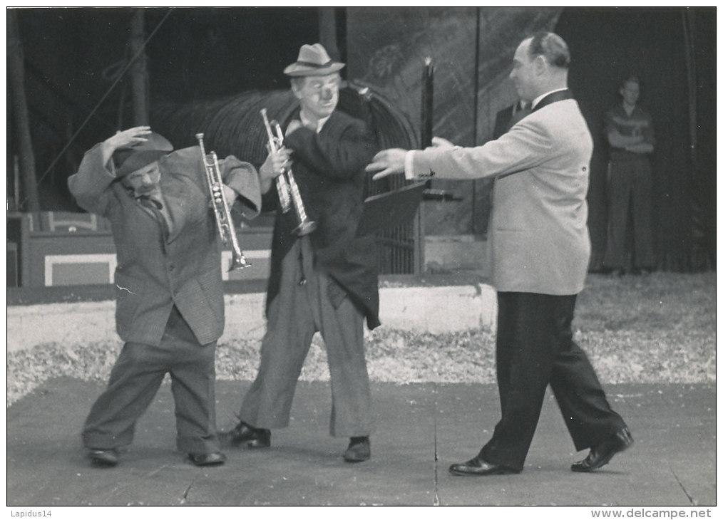 CIRQUE 34 /  PHOTO - CLOWNS  3 RICORDI MUSICAL ENTERTAINERS CLOWNS OND PARODISTS .(FORMAT 18,00 Cm X 13,00cm) - Photos