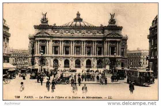 780 Paris - La Place De L'opéra Et La Station Du Métropolitain - Frankreich