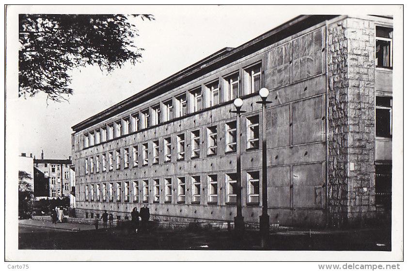 Pologne - Katowice - Palac Mlodziezy Im. B. Bieruta - Pologne