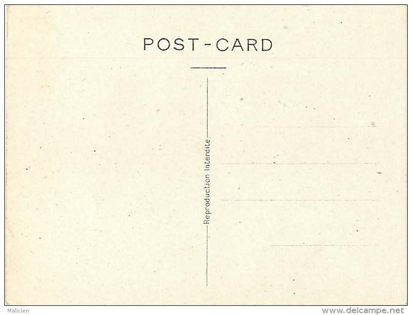 -gd Format -ref M13- Guerre 1939-45- Dessin Illustrateur - Caricature- Hitler - La Fessee- Carte Bon Etat - - Guerre 1939-45