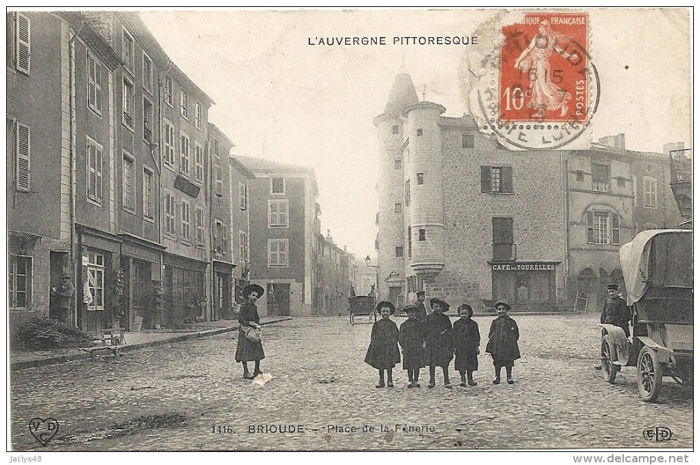 BRIOUDE  CPA(43)  Place De La FENERIE  Belle Animation - Brioude