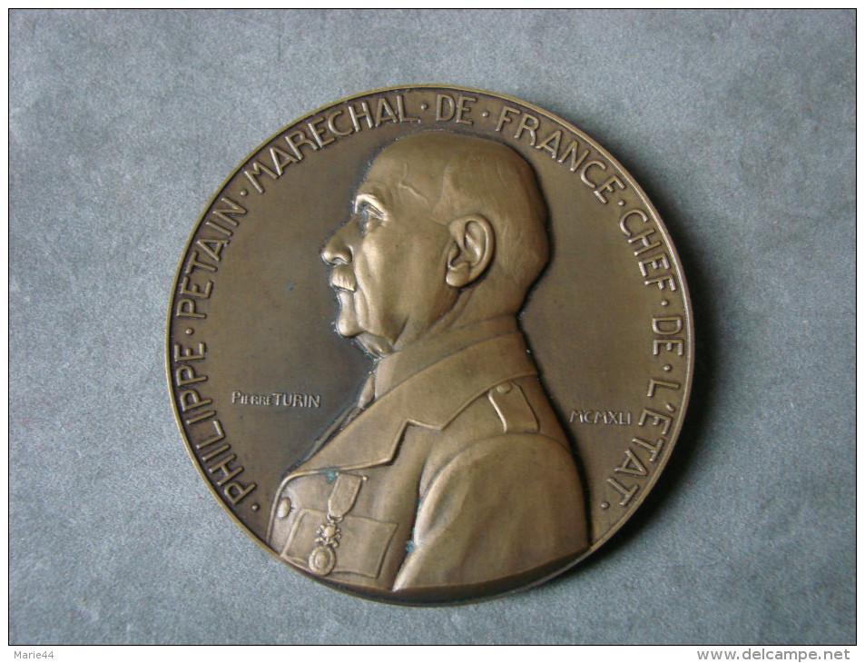 MEDAILLE BRONZE MARECHAL PETAIN 1942 WW2 - Army & War
