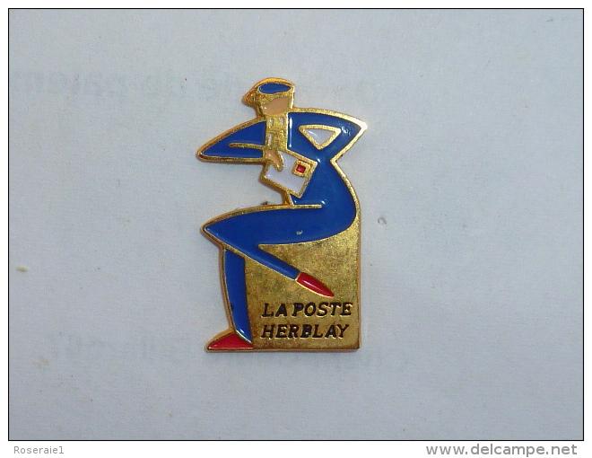 Pin's FACTEUR, LA POSTE D HERBLAY - Postes