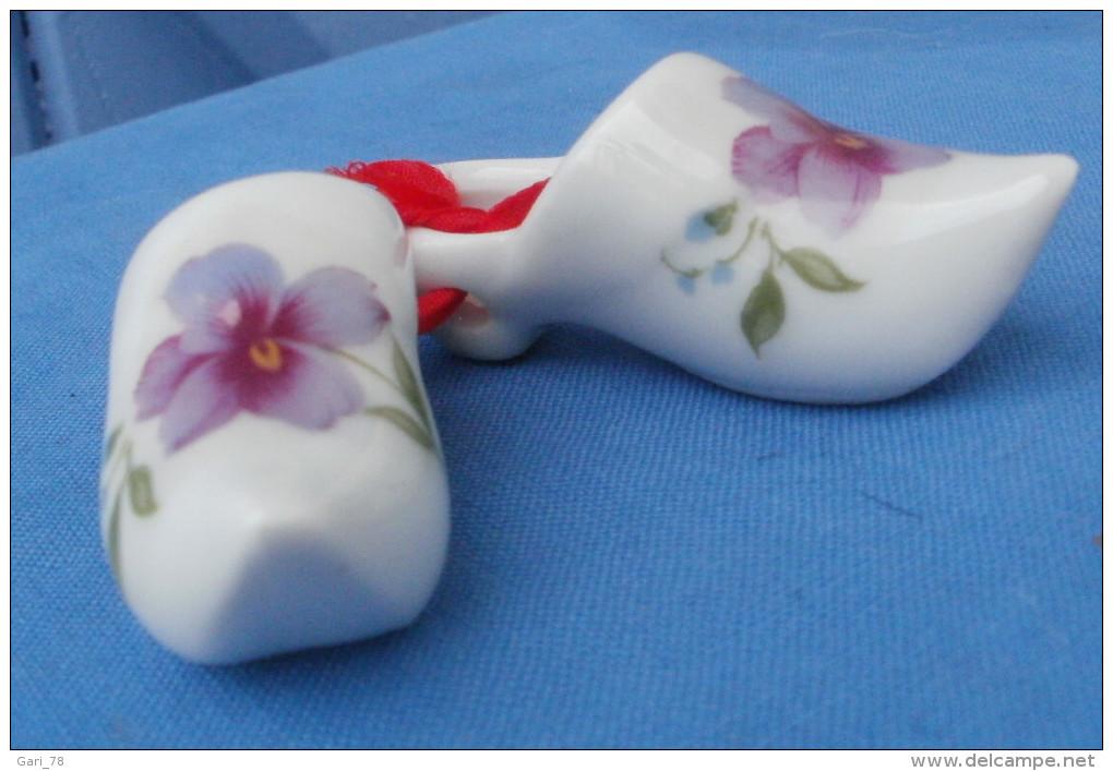 Paire Des Sabots Miniatures Porcelaine De LIMOGES - Limoges (FRA)