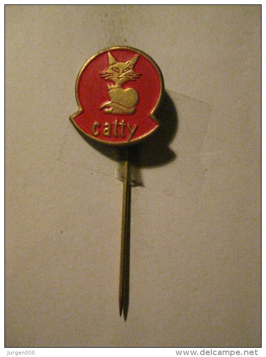 Pin Catty (GA6387) - Animaux