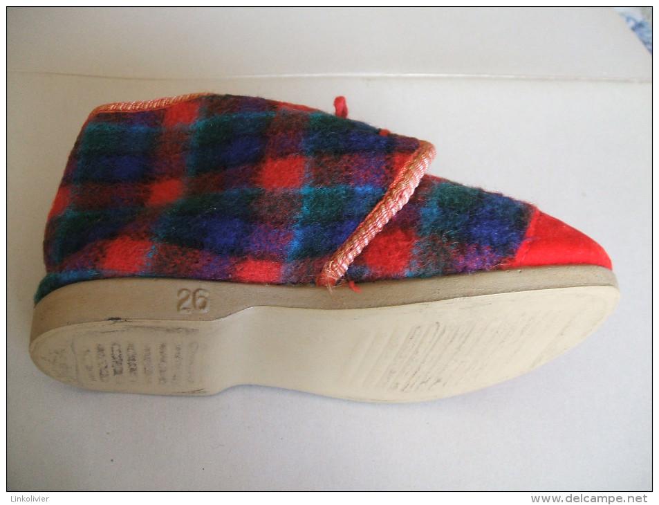 PANTOUFLES Chaussons Enfant VINTAGE Années 70 - Pointure 26 - Shoes