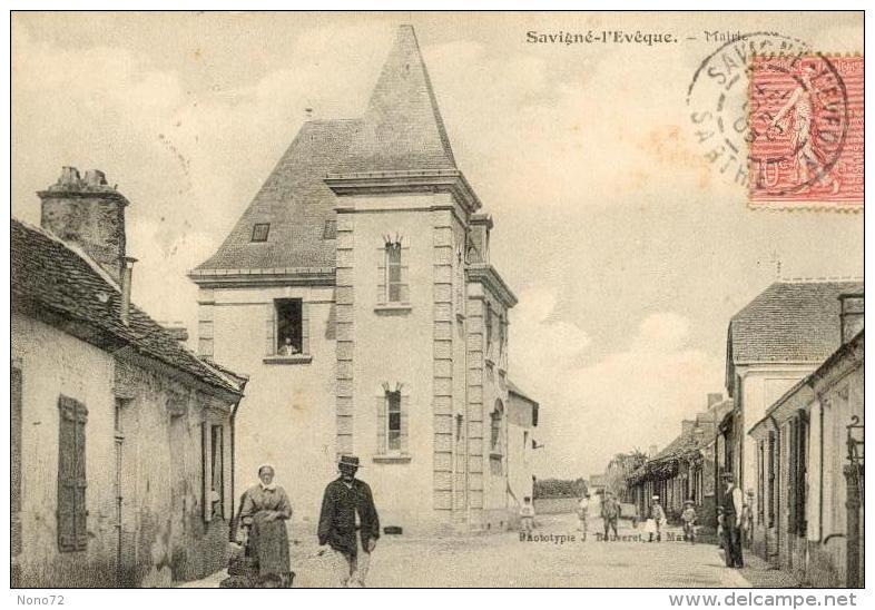 Savigne L´eveque Sarthe 72 Mairie - France