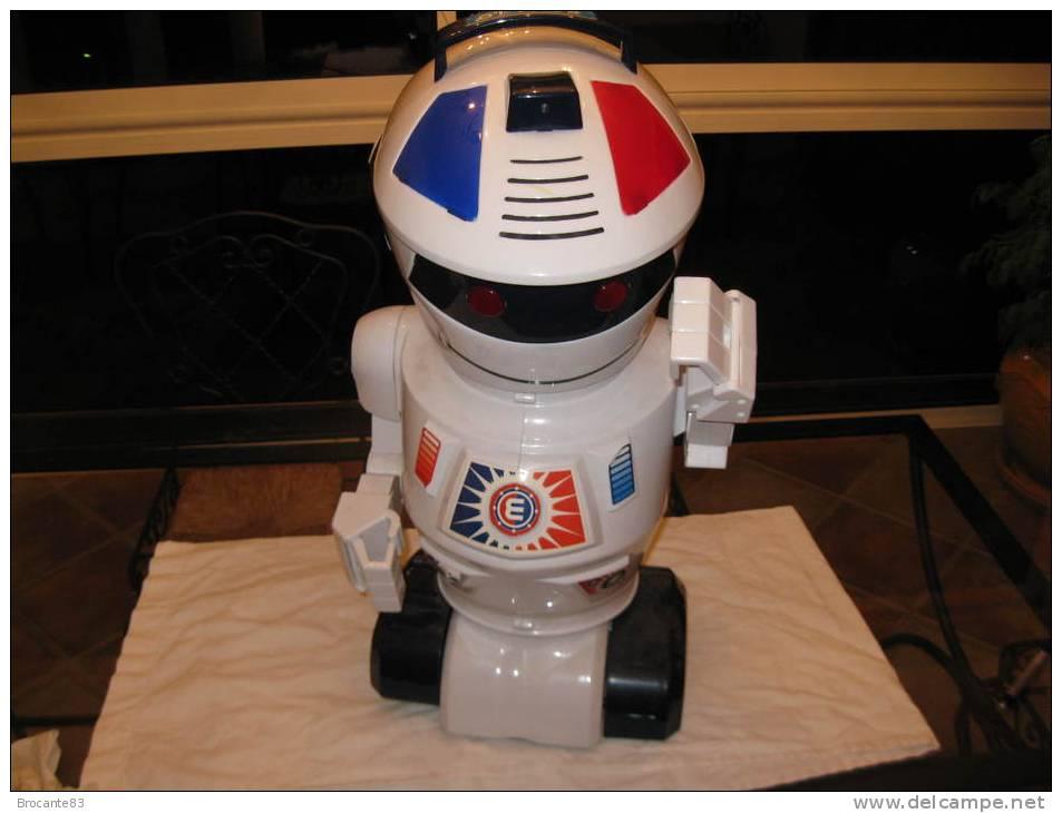 ROBOT EMILIO - Electronic Games