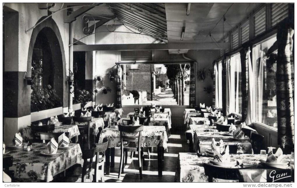 62 STELLA PLAGE  Hôtel Des Sables D´Or  Une Des Salles Du Restaurant - Autres Communes