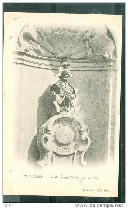 N°22    Bruxelles -le Manneken-piss Un Jour De Fête  - Fav64 - Monuments