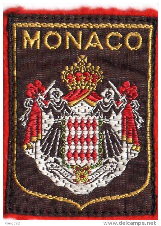 écusson Tissu Sur Feutre Brodé  Armoiries MONACO    (ec3.) - Ecussons Tissu