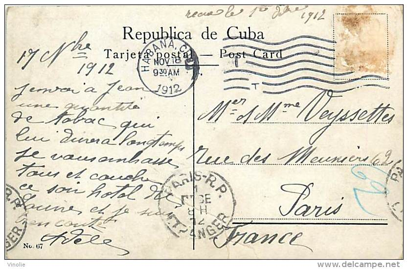 Réf : A-15-2862 :   CUBA  COSECHA DE TABACO TOBACCO GATHERING - Cuba