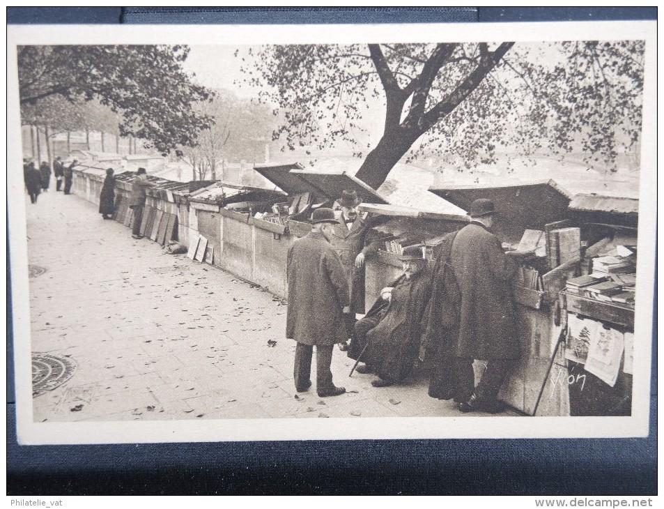FRANCE- CARTE POSTALE  LES BOUQUINISTES A PARIS   A VOIR  LOT P2455 - Other
