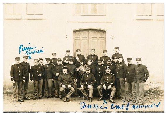 Soldats Sous Officier Et Officiers Avec Musiciens En 1914.1918 - Personen