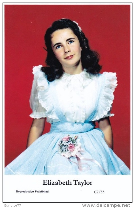 ELIZABETH TAYLOR - Film Star Pin Up - Publisher Swiftsure Postcards 2000 - Artistes